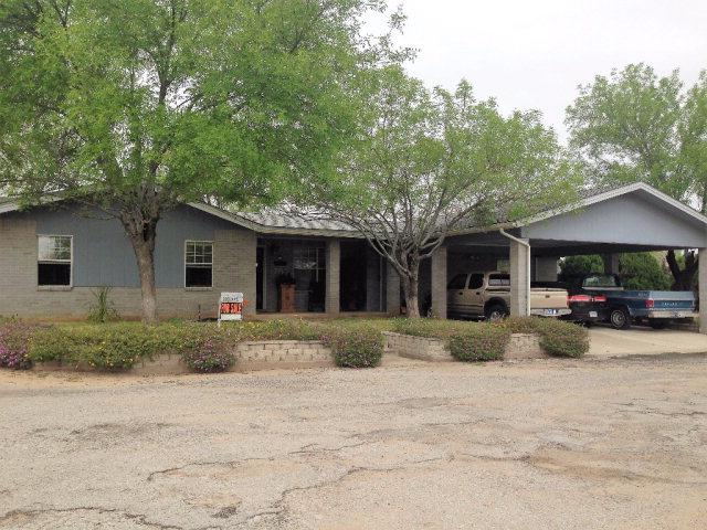 Photo of 706 Madison St  Carrizo Springs  TX