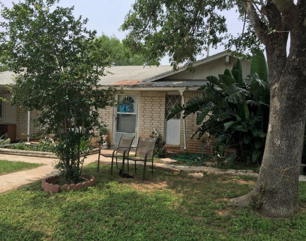 Photo of 1307 Lee St  Carrizo Springs  TX