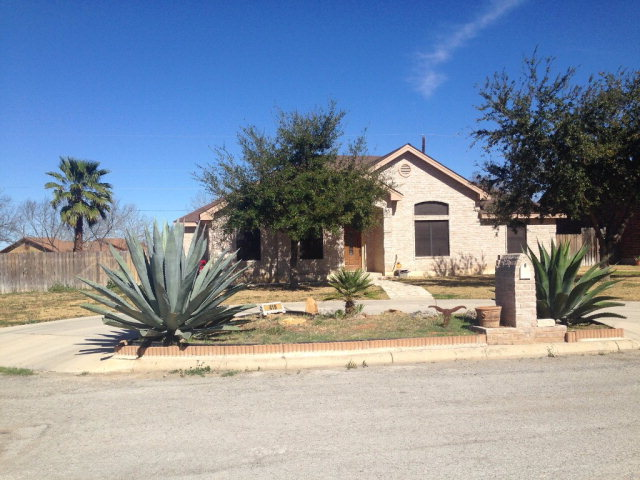 Photo of 419 Loma Blanca  Carrizo Springs  TX