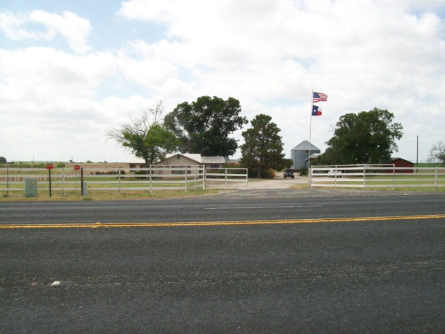 Photo of 15515 HWY90  Knippa  TX