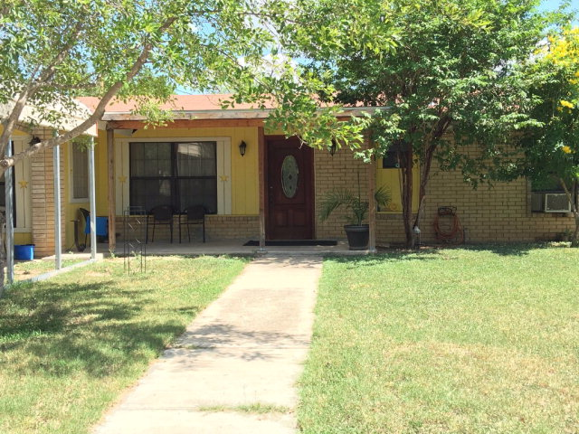 Photo of 407 15th St  Carrizo Springs  TX