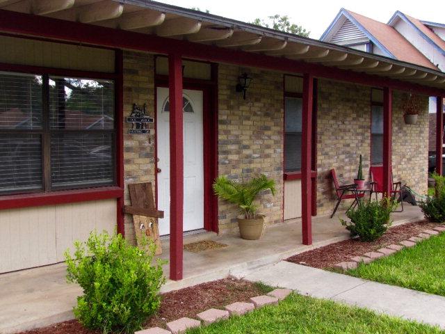 7 Rosebud Cir, Uvalde, TX 78801
