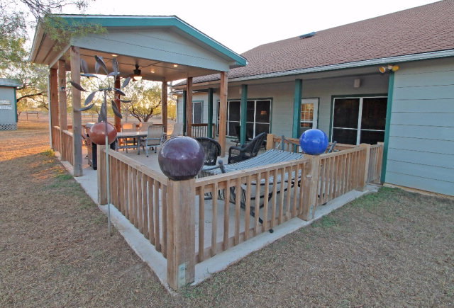 Photo of 437 Tender Loving  Carrizo Springs  TX