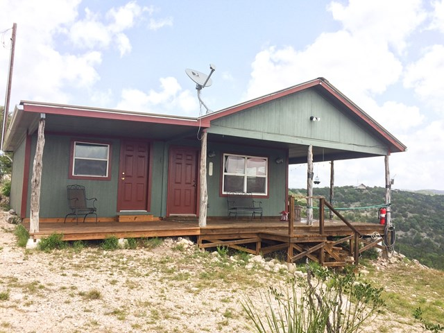 Photo of 937 Skyview Ln  Camp Wood  TX