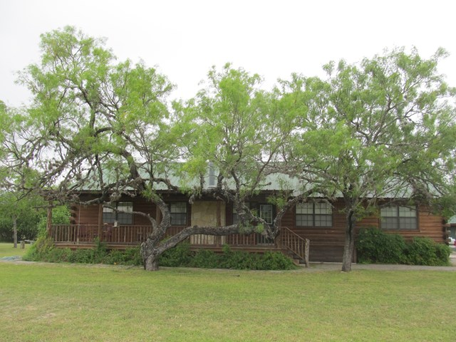 Photo of 72 RiverTree North Rd  Leakey  TX
