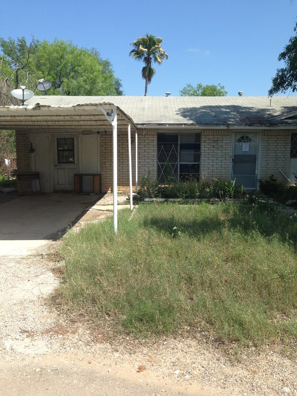 Photo of 1307 Lee  Carrizo Springs  TX