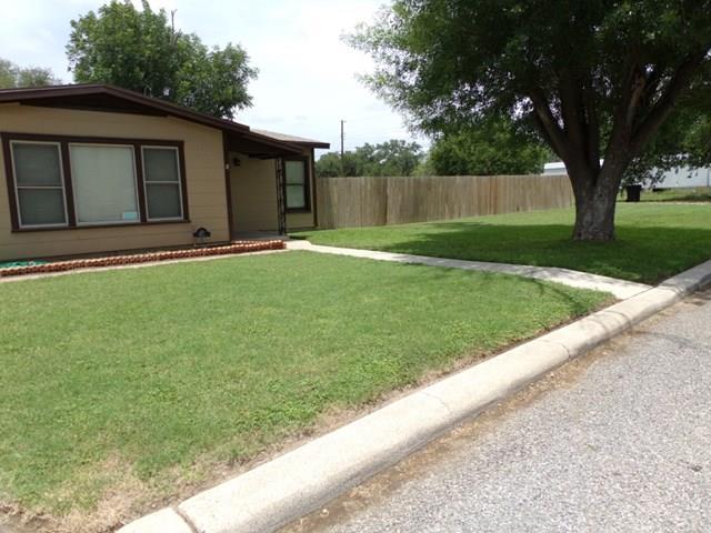 Photo of 111 Dunlap St  Sabinal  TX
