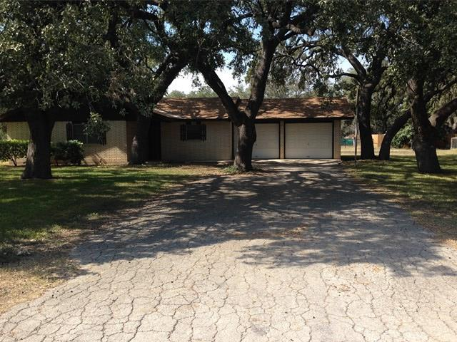 Photo of 1005 Hondo ST  Sabinal  TX