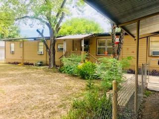 608 N Austin St. Sabinal, TX 78881