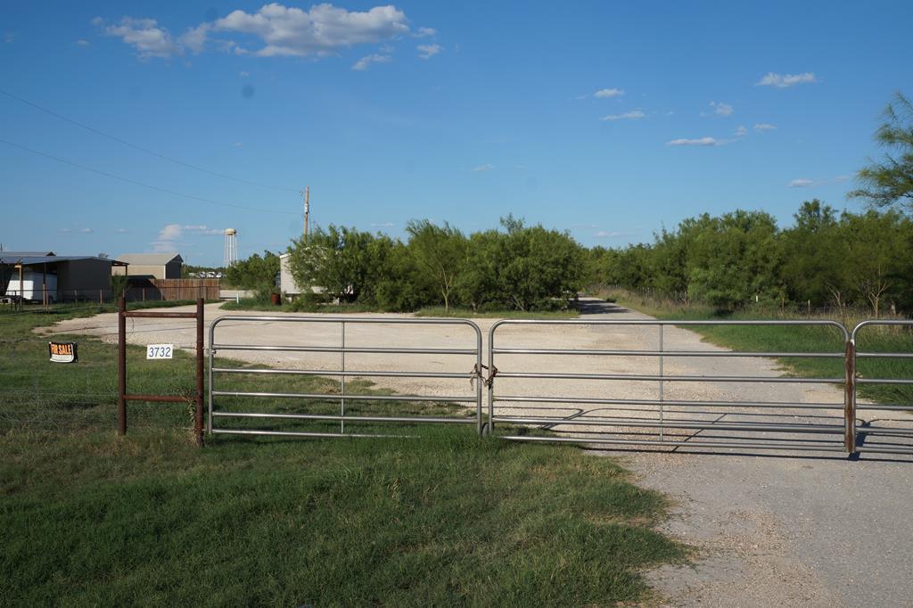3732 OLD UVALDE HWY Crystal City, TX 78839