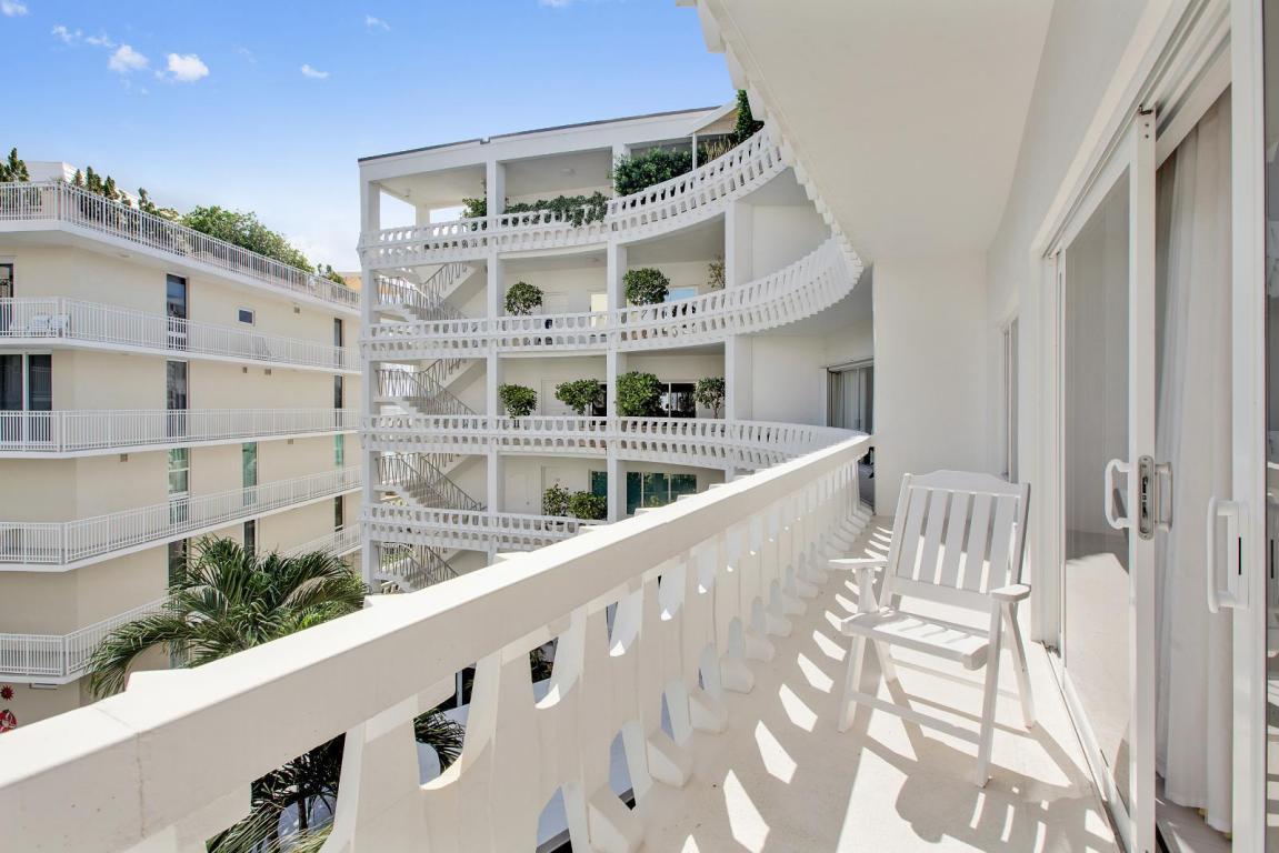 300 S Ocean Blvd # 4f, Palm Beach, FL 33480