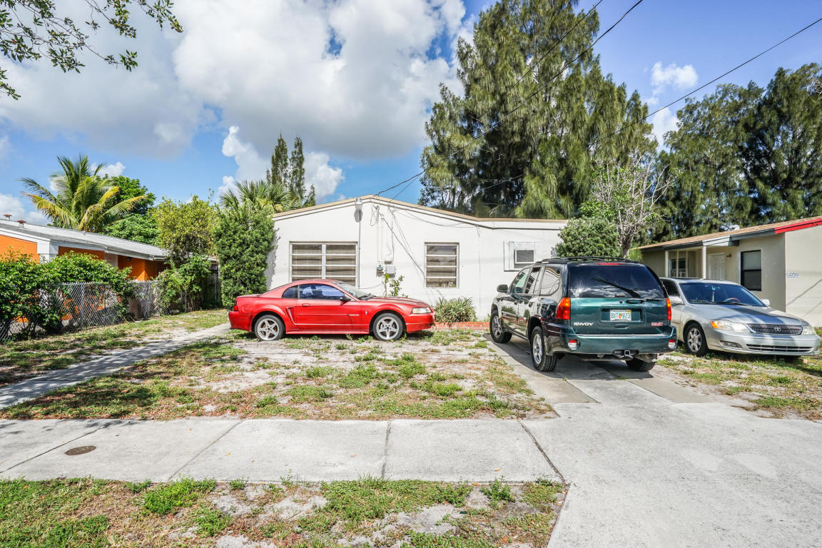 Photo of 5605 Pinewood Avenue  West Palm Beach  FL