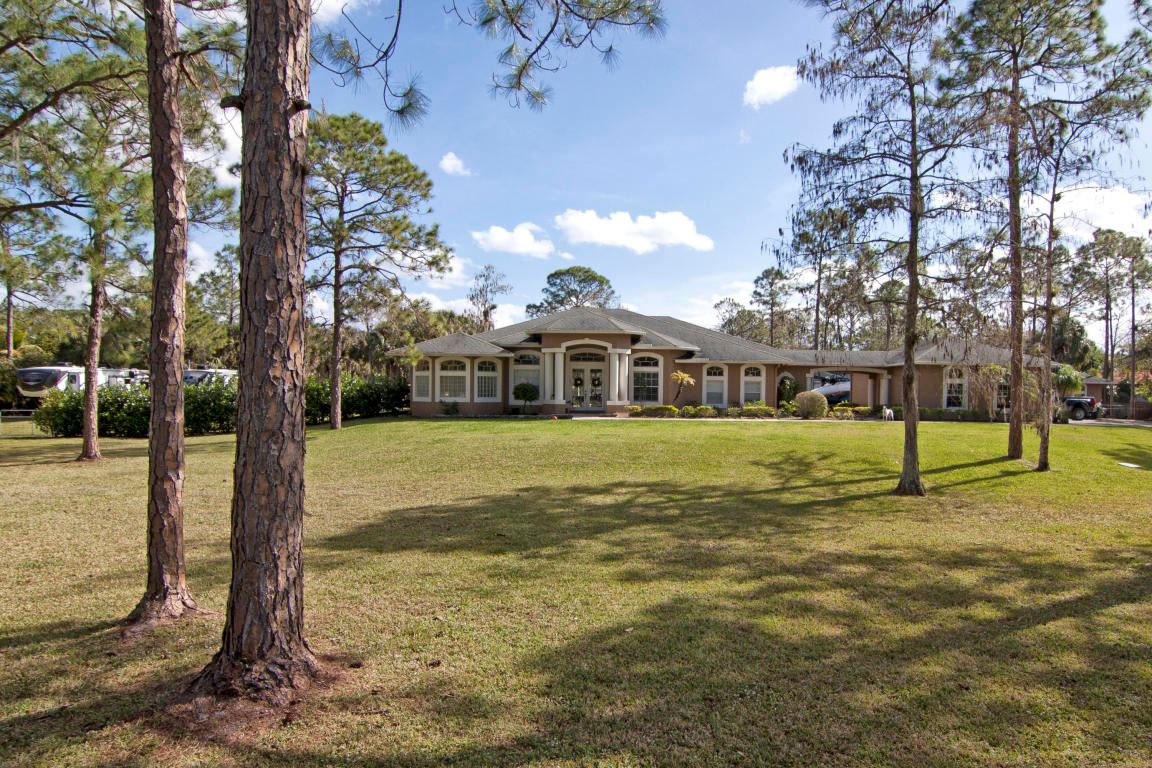 1340 Stallion Drive, one of homes for sale in Loxahatchee