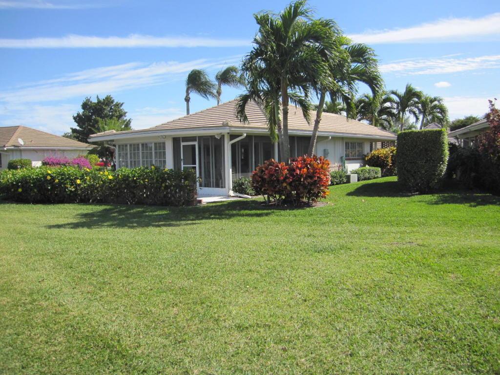 113 Villa Circle Atlantis, FL 33462