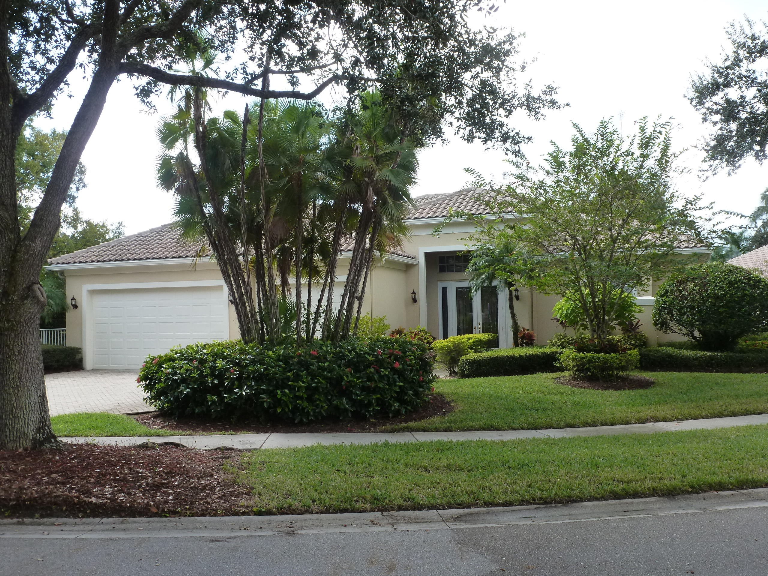 1745 Flagler Manor Circle West Palm Beach, FL 33411