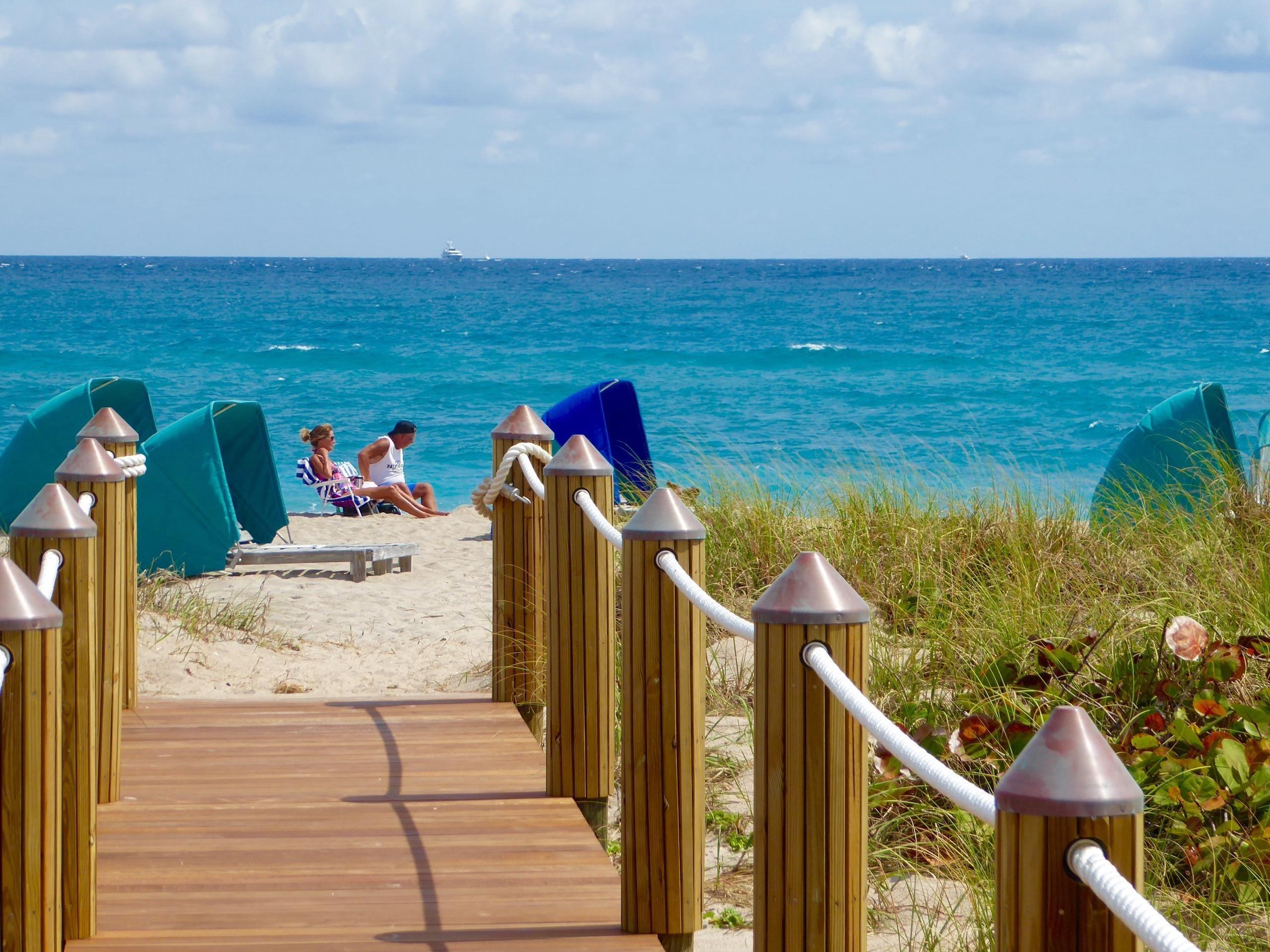 145 Ocean Avenue Unit 404 Palm Beach Shores, FL 33404