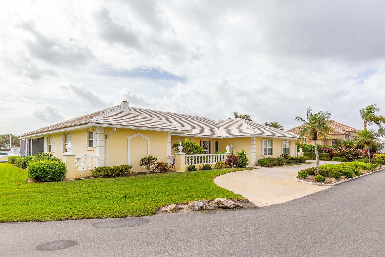 9168 SE Star Island Way, Hobe Sound, Florida