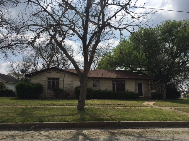 Photo of 612 Hugo  Yoakum  TX