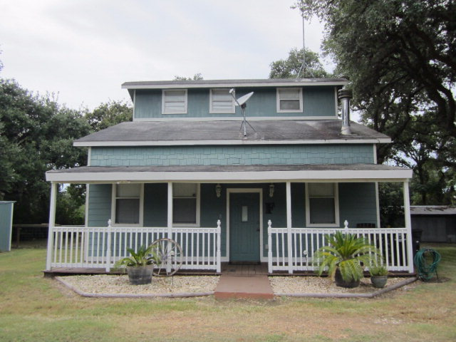 Photo of 1024 Hollybrook Dr  Inez  TX