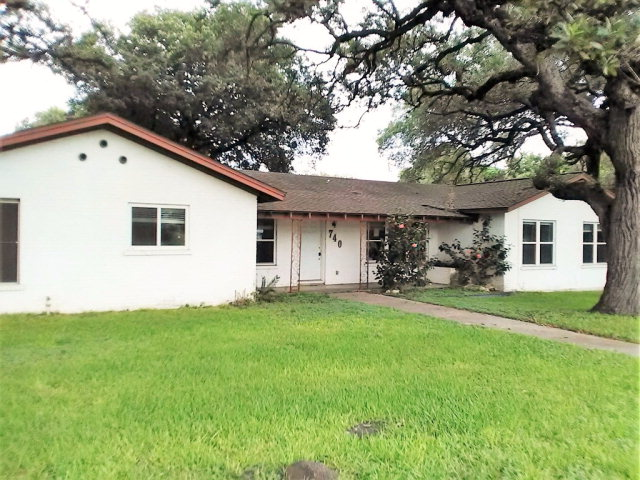 Photo of 740 W Pearl  Goliad  TX