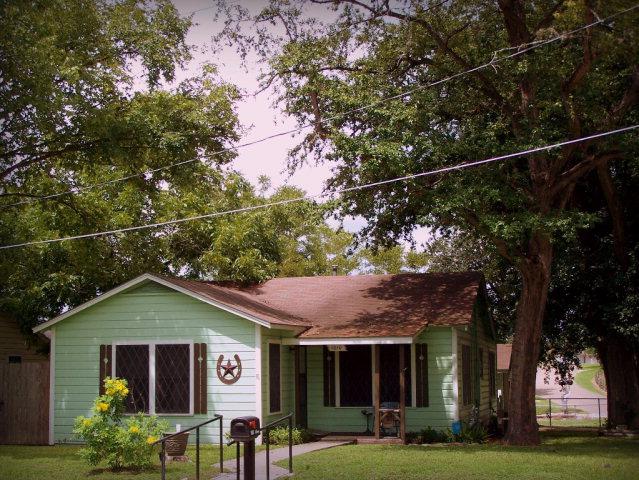 Photo of 1010 Huck  Cuero  TX