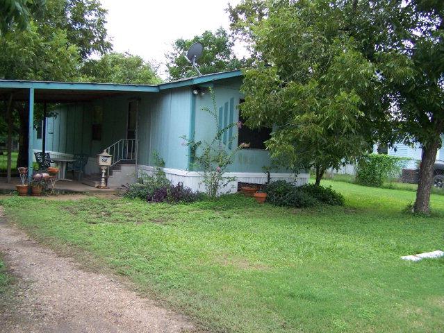 Photo of 607 E Clayton  Cuero  TX