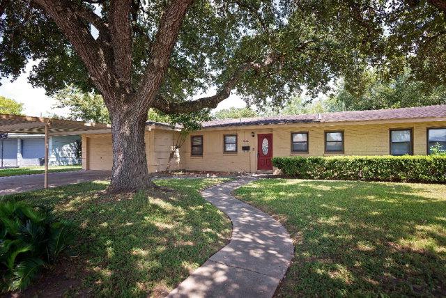 3106 Arroyo Dr, Victoria, TX 77901