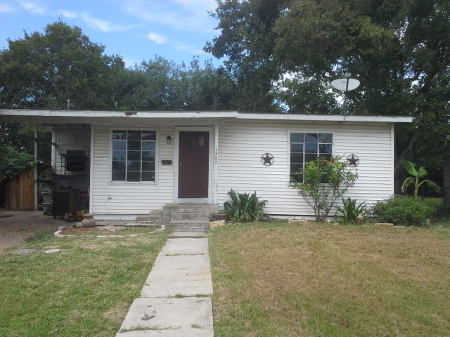 Photo of 1208 Fillmore  Victoria  TX