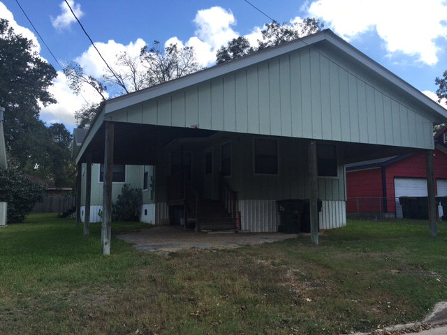 Photo of 317 Avenue F  Shiner  TX