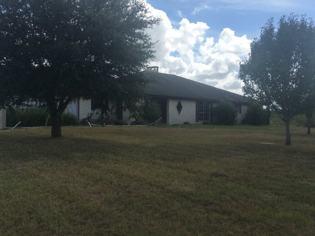 Photo of 721 Gonzales County Road 400  Moulton  TX