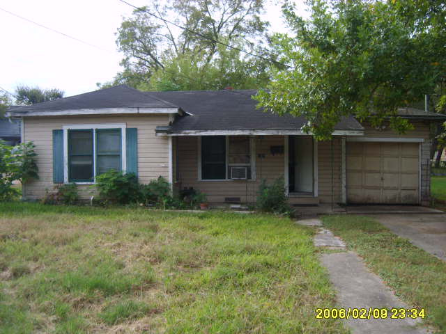 Photo of 1207 Virginia Ave  Victoria  TX