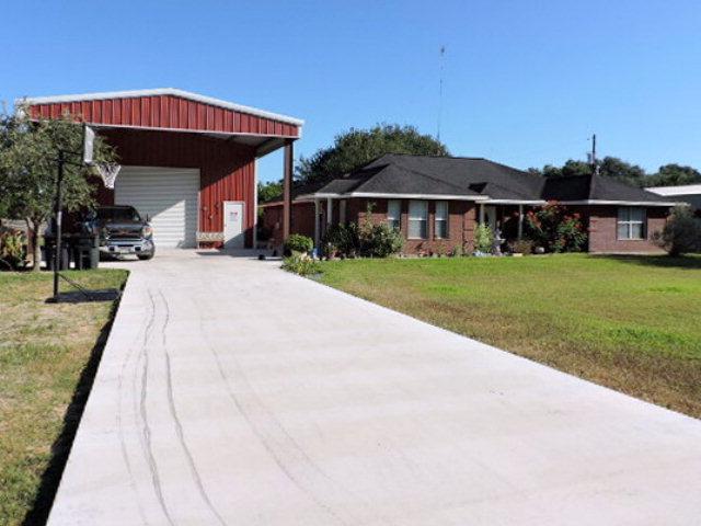 Photo of 1196 Live Oak  Inez  TX