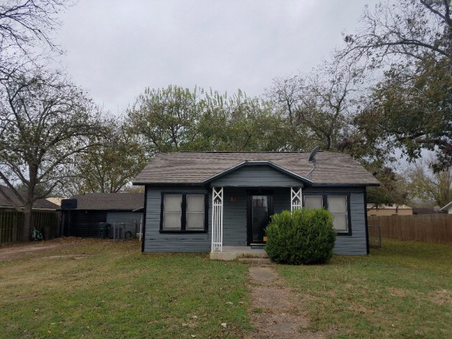 Photo of 204 S Hackberry  Moulton  TX