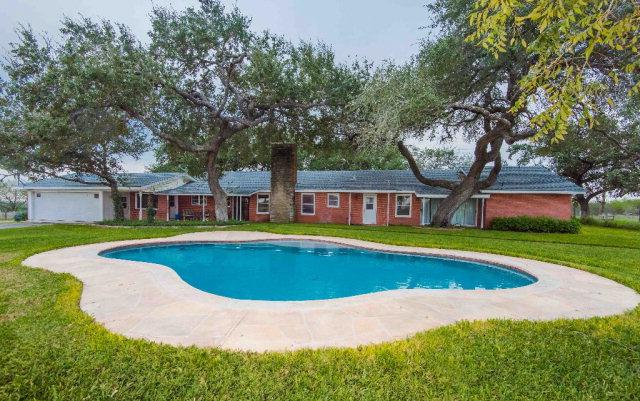 Photo of 2757 Hollis Lane  Beeville  TX
