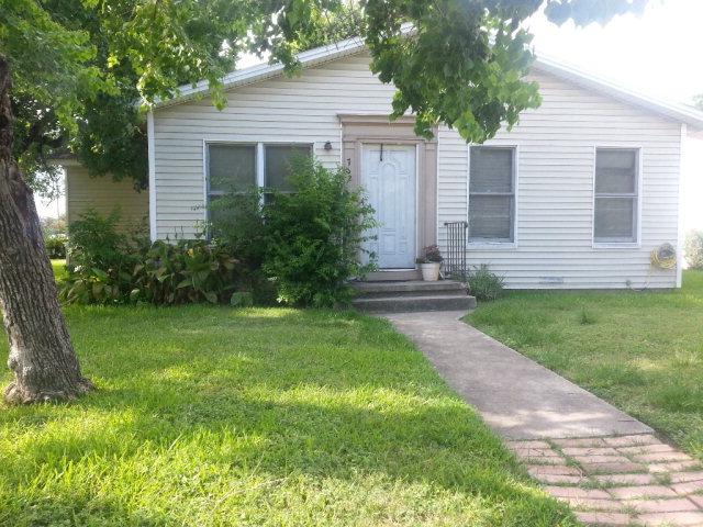 Photo of 702 Buena Vista  Victoria  TX
