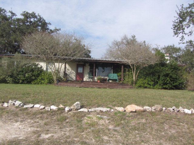 Photo of 944 W Fannin St  Goliad  TX