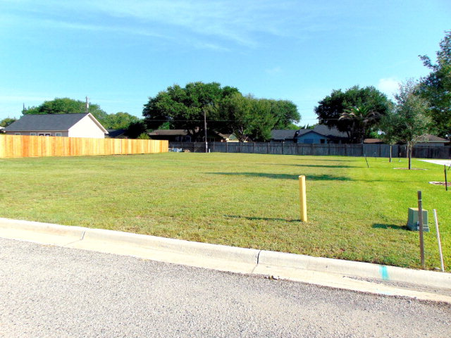 Photo of 203 August Ave  Shiner  TX