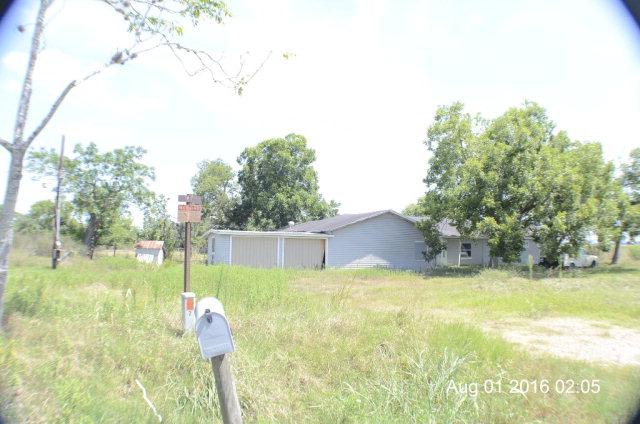 Photo of 135 County Road 396  Yoakum  TX