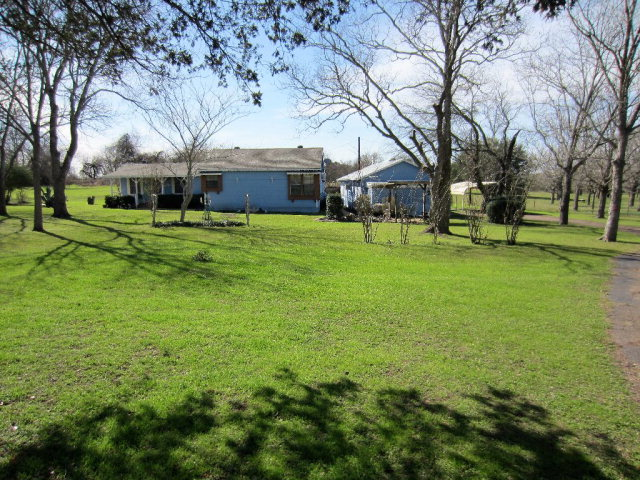 Photo of 5729 E US Highway 90A  Shiner  TX
