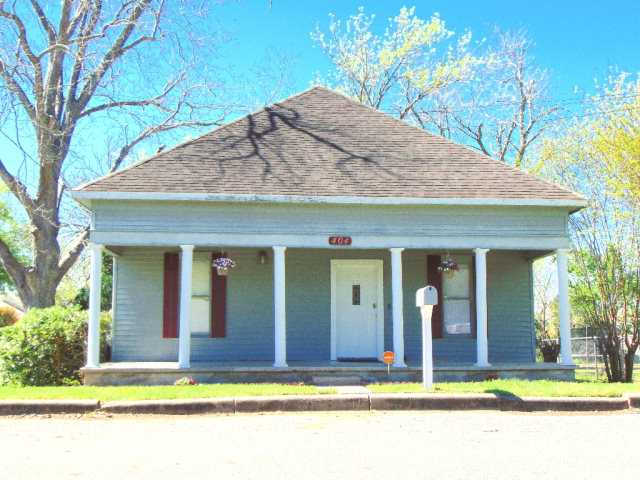 Photo of 404 N Ave H  Shiner  TX