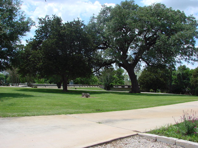 karnes city mature singles Land for sale in karnes county texas - page 2 of 2 home united office, multi-family dwelling units, and single family dwelling 12 lots in karnes city.