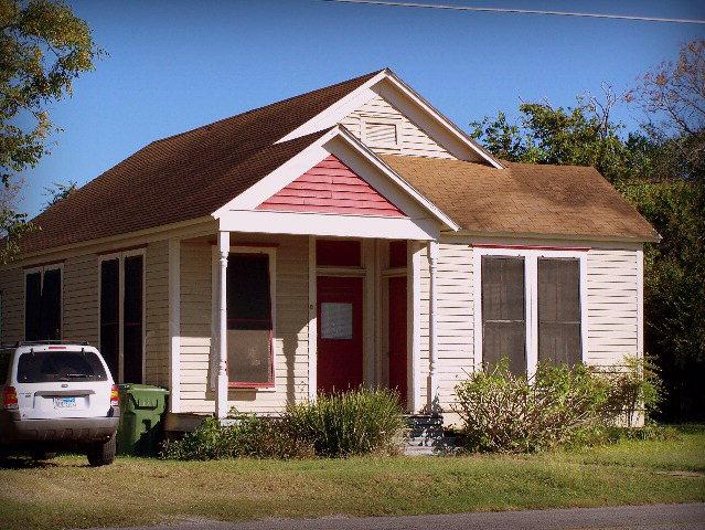 Photo of 109 East Bailey  Cuero  TX