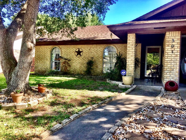 Photo of 301 Antietam  Victoria  TX