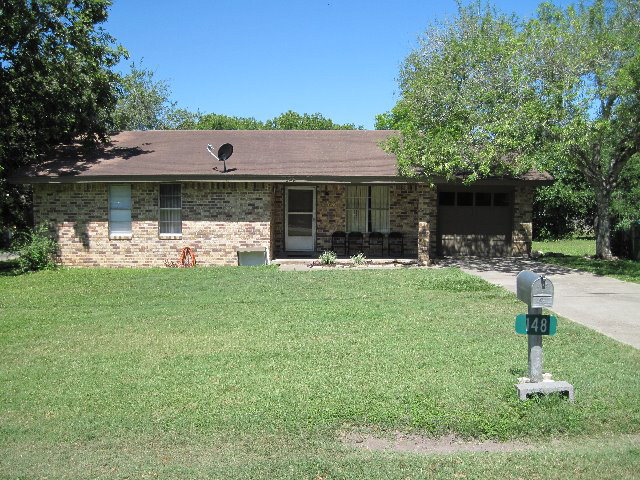 Photo of 148 S Mt Auburn  Goliad  TX