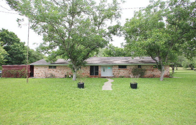 Photo of 707 Meadowbrook  Goliad  TX
