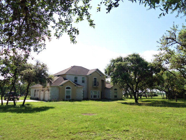 Photo of 704 OBrien Rd  Refugio  TX