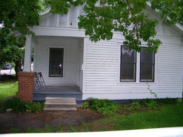 Photo of 1608 N Bridge Street  Victoria  TX