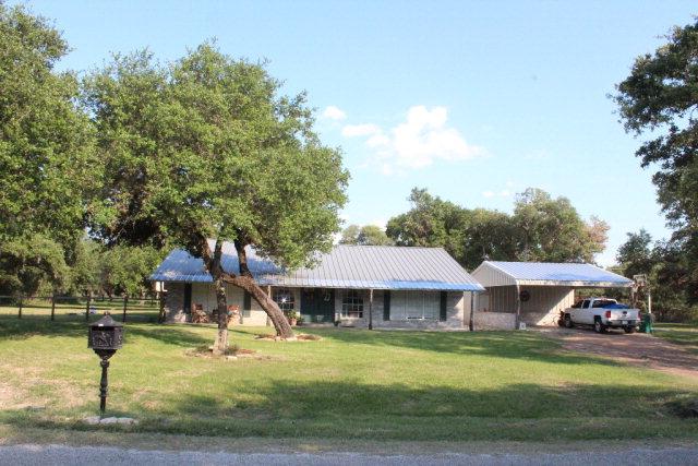 Photo of 981 Live Oak  Inez  TX