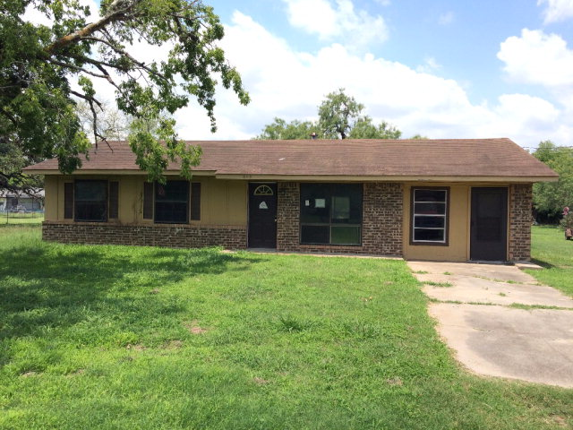 Photo of 803 Staerker St  Cuero  TX