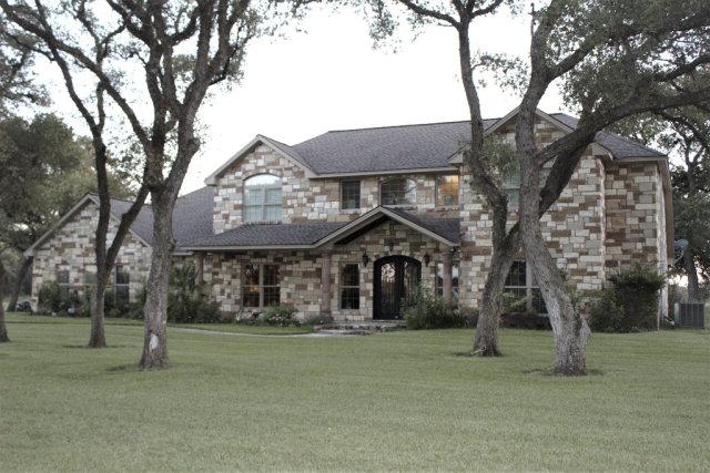 Photo of 404 Stone Oak  Inez  TX